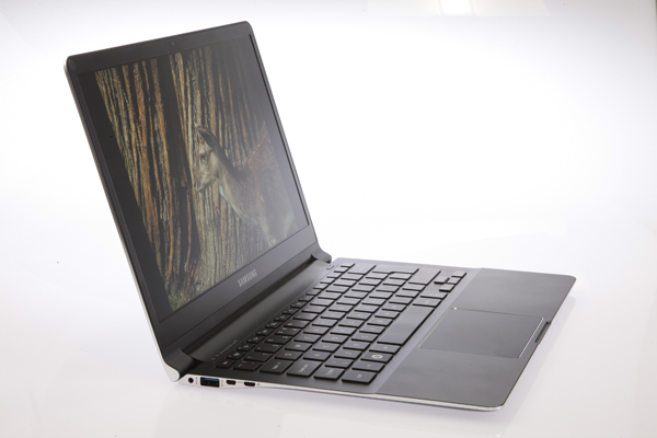 top 10 best laptops to buy in 2012 notebook pc. Black Bedroom Furniture Sets. Home Design Ideas