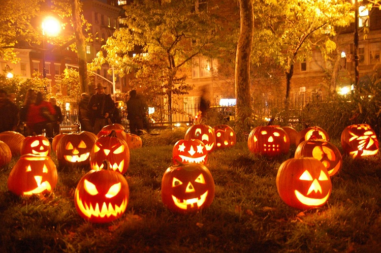 10 halloween is derived from samhain